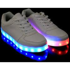 Eres la única que aún no tiene sis zapatillas de luces LED